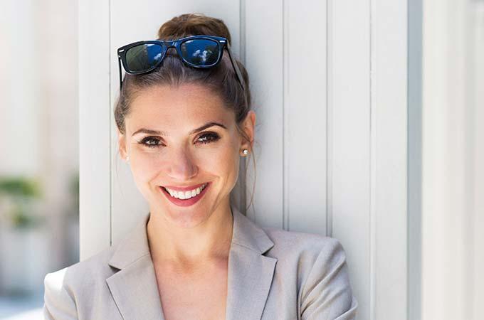 patient-businesswoman-periodontics
